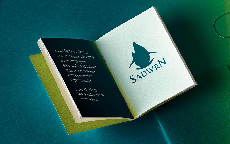 Editorial Sadwrn. Diseño de identidad.